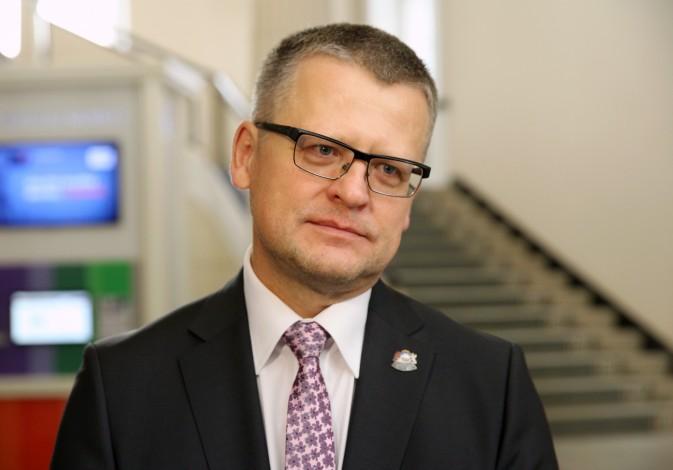 Veselības ministra amatā darbu turpina Dr.Guntis Belēvičs