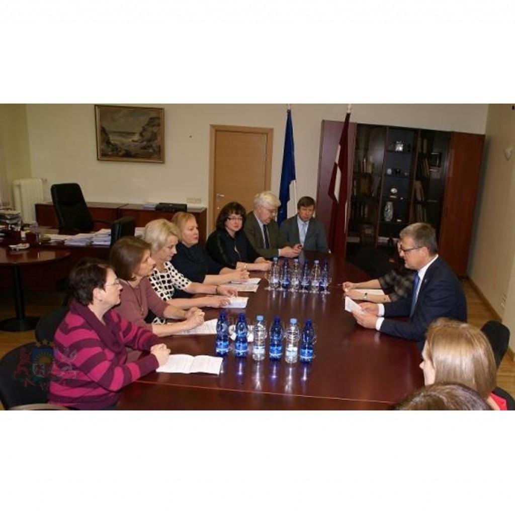 Veselības ministrs ar ģimenes ārstiem vienojas par sadarbību