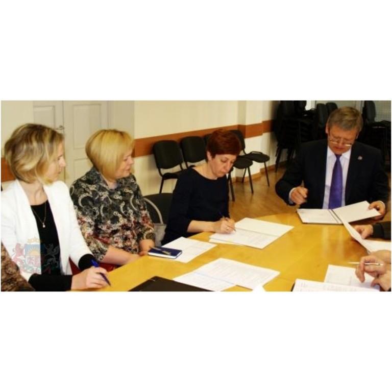 Veselības ministrs vienojas par turpmāko sadarbību ar Latvijas Māsu asociāciju