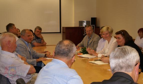 Pārrunā aktuālos jautājumus ar Latvijas Slimnīcu biedrību