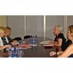 Vienojas par sadarbību veselības aprūpes uzlabošanā onkoloģijas jomā