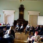 Diskutē par iespējamajiem veselības aprūpes finansēšanas modeļiem