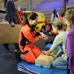 """NMP dienests izstādē """"Bērnu pasaule 2017"""" ģimenēm atgādina par pirmās palīdzības sniegšanas nozīmību"""