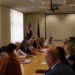 Pārrunā sadarbības jautājumus ēnu ekonomikas mazināšanai veselības nozarē