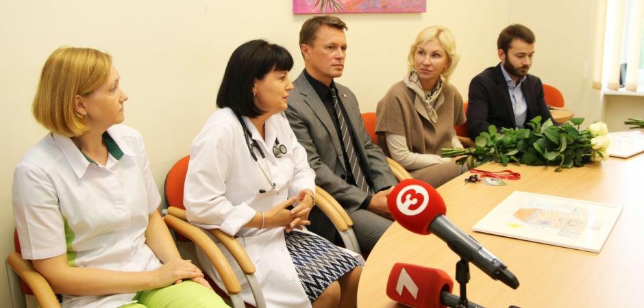 Bērnu slimnīca saņēmusi dāvanā jaunāko medicīnas aprīkojumu
